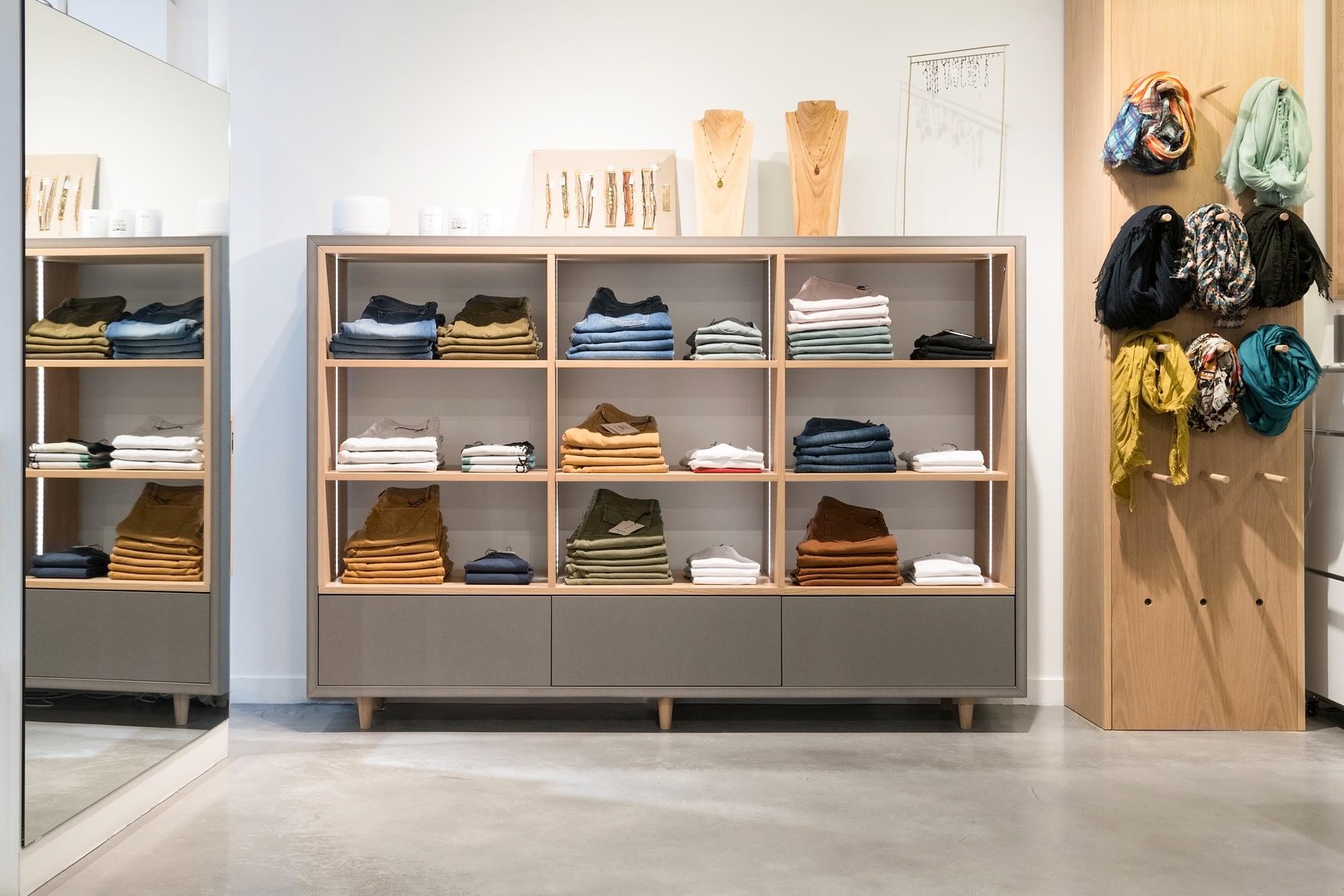 Démesure - Boutique Blanche Meuble Jeans
